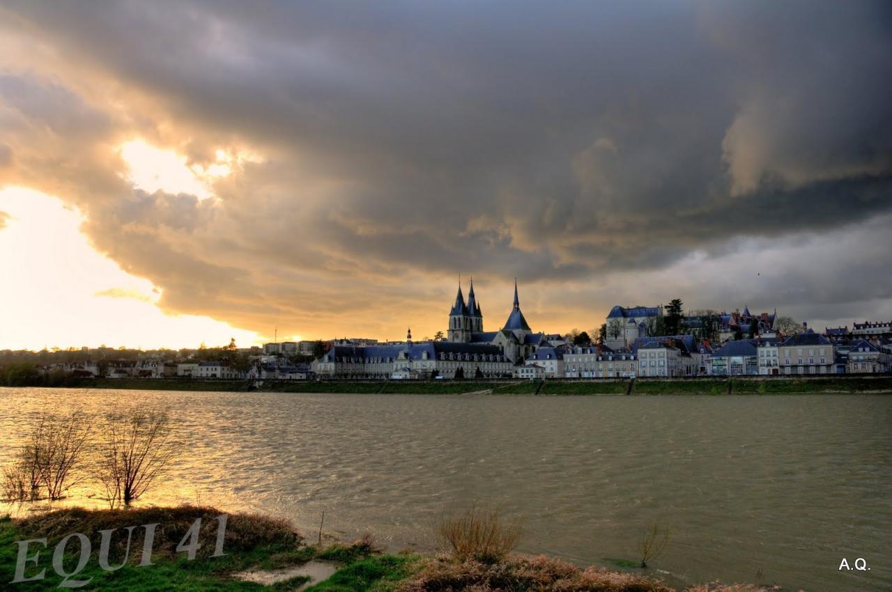 Blois depuis la Loire